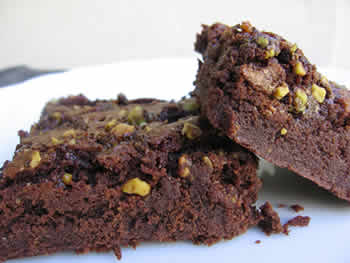 Easy Chocolate Brownies with Walnuts
