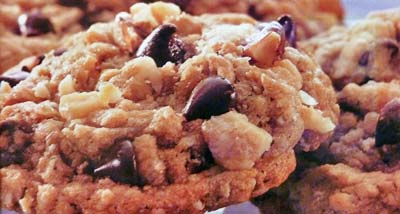 Easy Oatmeal Chocolate Chip Drop Cookies