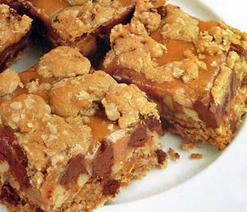 Oatmeal Caramel Chocolate Chip Squares