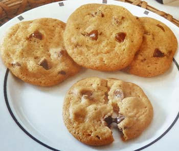 Hershey's Chewy Chocolate Chip Cookies