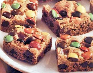 M and M Surprise Cookie Bars