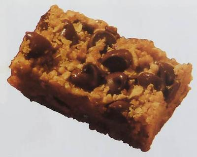 Peanut Butter Chocolate Chip Crumble Bars